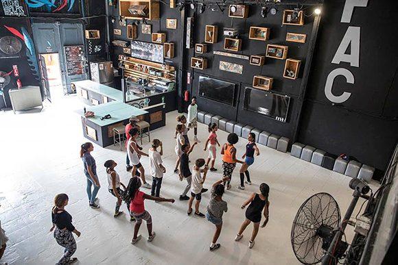 fabrica-de-arte-cubano-01-580x387